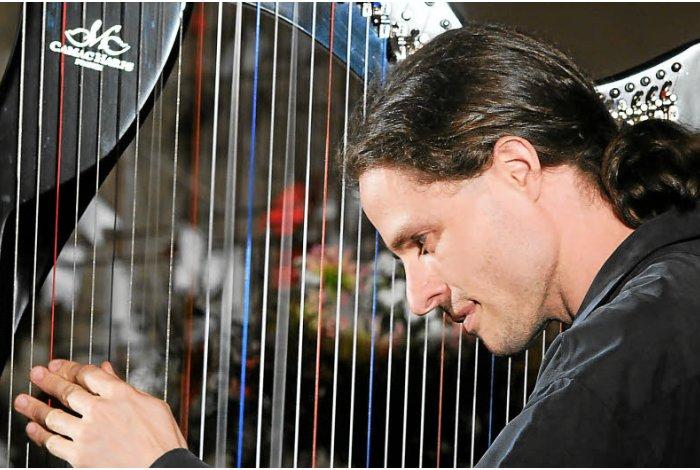 Concert de harpe celtique par Tristan le Govic